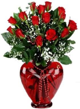 Cam kalp içerisinde 15 kırmızı gül  Ulus Ankara İnternetten çiçek siparişi