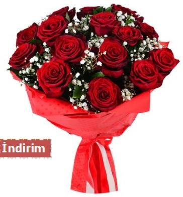 12 Adet kırmızı aşk gülleri