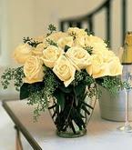 Ulus Ankara anneler günü çiçek yolla  11 adet sari gül mika yada cam vazo tanzim