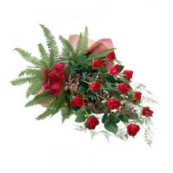 Ulus Ankara kaliteli taze ve ucuz çiçekler  10 adet kirmizi gül özel buket çiçek siparisi