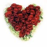 kalp biçiminde 15 gülden   Ulus Ankara çiçek , çiçekçi , çiçekçilik