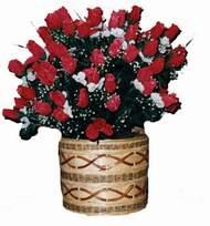 yapay kirmizi güller sepeti   Ulus Ankara çiçek satışı