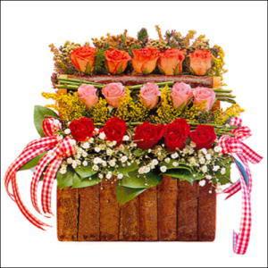 sandikta 3 kat güllerden   Ulus Ankara yurtiçi ve yurtdışı çiçek siparişi