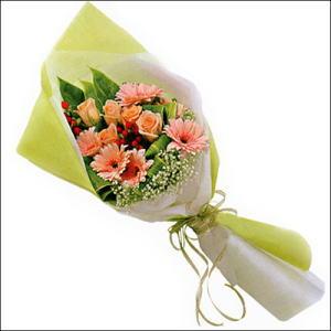 sade güllü buket demeti  Ulus Ankara 14 şubat sevgililer günü çiçek