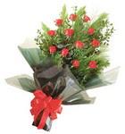 12 adet kirmizi gül buketi   Ulus Ankara 14 şubat sevgililer günü çiçek
