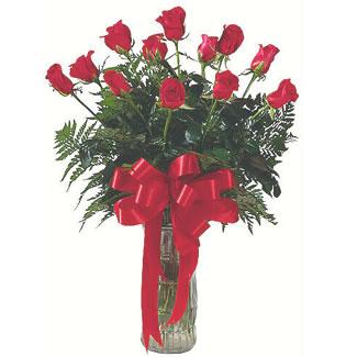 12 adet gül cam içerisinde  Ulus Ankara yurtiçi ve yurtdışı çiçek siparişi