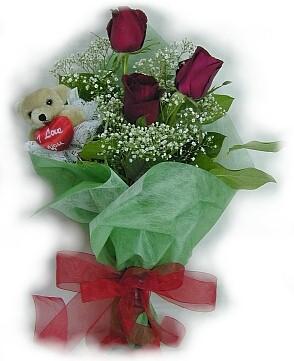 3 adet gül ve küçük ayicik buketi  Ulus Ankara güvenli kaliteli hızlı çiçek