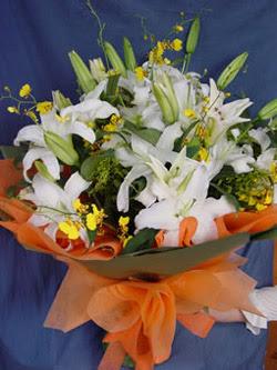 Ulus Ankara hediye sevgilime hediye çiçek  5 ADET KAZABLANKA BUKETI KALITEDEN SASMAYANLARA