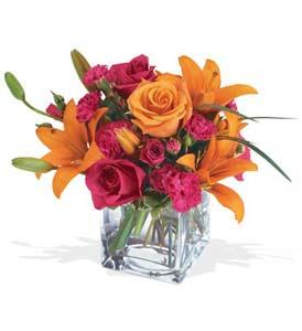 Ulus Ankara çiçekçi telefonları  cam içerisinde kir çiçekleri demeti