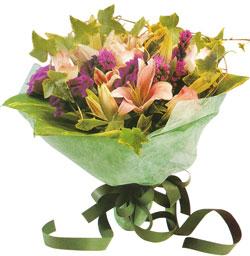 karisik mevsim buketi anneler günü ve sevilenlere  Ulus Ankara 14 şubat sevgililer günü çiçek