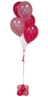 Sevdiklerinize 17 adet uçan balon demeti yollayin.  Ulus Ankara 14 şubat sevgililer günü çiçek