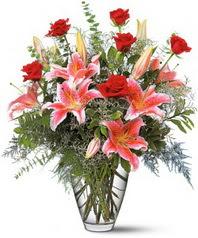 Ulus Ankara çiçek yolla , çiçek gönder , çiçekçi   7 adet kirmizi gül 3 adet kazablanka