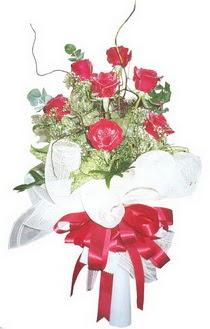 Ulus Ankara anneler günü çiçek yolla  7 adet kirmizi gül buketi