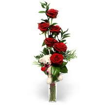 Ulus Ankara çiçek online çiçek siparişi  cam yada mika vazo içinde 7 adet kirmizi gül ve oyuncak