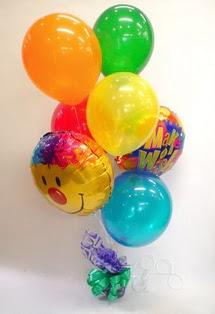 17 adet uçan balon ve küçük kutuda çikolata