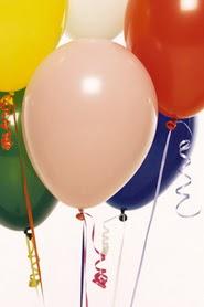 19 adet renklis latex uçan balon buketi