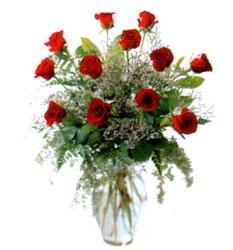 Vazo içerisinde 11 kirmizi gül  Ulus Ankara çiçek mağazası , çiçekçi adresleri