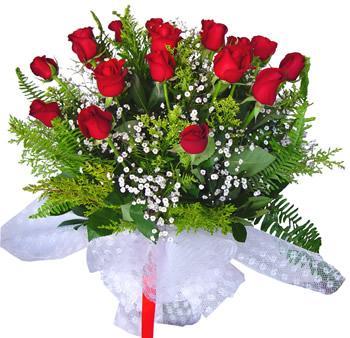 11 adet gösterisli kirmizi gül buketi  Ulus Ankara hediye sevgilime hediye çiçek