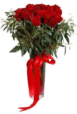 15 adet kirmizi gül cam vazo içerisinde  Ulus Ankara hediye sevgilime hediye çiçek