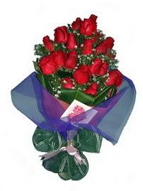 12 adet kirmizi gül buketi  Ulus Ankara kaliteli taze ve ucuz çiçekler