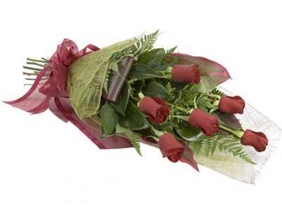 ucuz çiçek siparisi 6 adet kirmizi gül buket  Ulus Ankara anneler günü çiçek yolla