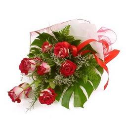 Çiçek gönder 9 adet kirmizi gül buketi  Ulus Ankara çiçek mağazası , çiçekçi adresleri