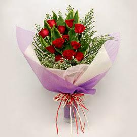çiçekçi dükkanindan 11 adet gül buket  Ulus Ankara 14 şubat sevgililer günü çiçek