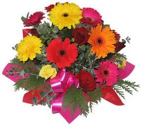 Karisik mevsim çiçeklerinden buket  Ulus Ankara çiçek gönderme sitemiz güvenlidir