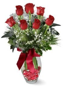 7 adet vazoda gül  Ulus Ankara hediye sevgilime hediye çiçek  kirmizi gül