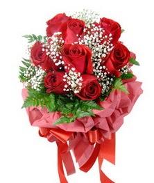 9 adet en kaliteli gülden kirmizi buket  Ulus Ankara çiçek gönderme