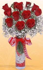 10 adet kirmizi gülden vazo tanzimi  Ulus Ankara anneler günü çiçek yolla