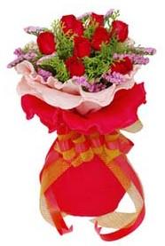 Ulus Ankara yurtiçi ve yurtdışı çiçek siparişi  8 Adet kirmizi güllerden buket tanzimi