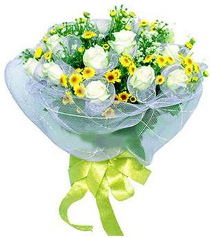 Ulus Ankara anneler günü çiçek yolla  12 adet özel beyaz gül buketi