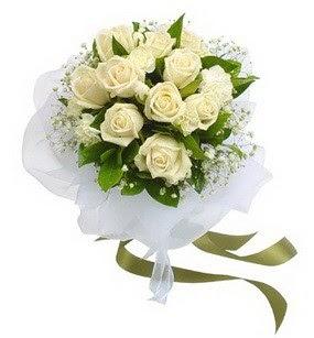 Ulus Ankara hediye çiçek yolla  11 adet benbeyaz güllerden buket