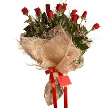Ulus Ankara çiçek gönderme  10 adet kırmızı gülden görsel buket