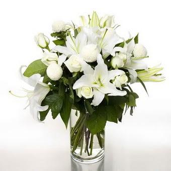 1 dal cazablanca 7 adet beyaz gül vazosu