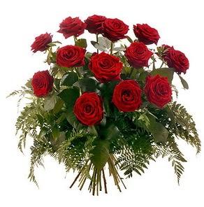 Ulus Ankara hediye sevgilime hediye çiçek  15 adet kırmızı gülden buket