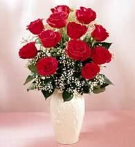 Ulus Ankara 14 şubat sevgililer günü çiçek  9 adet vazoda özel tanzim kirmizi gül