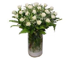 Ulus Ankara ucuz çiçek gönder  cam yada mika Vazoda 12 adet beyaz gül - sevenler için ideal seçim