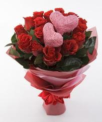 12 adet kırmızı gül ve 2 adet kalp çubuk  Ulus Ankara çiçek yolla , çiçek gönder , çiçekçi