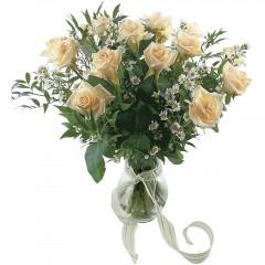 Vazoda 8 adet beyaz gül  Ulus Ankara çiçek yolla , çiçek gönder , çiçekçi