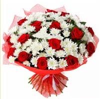 11 adet kırmızı gül ve beyaz kır çiçeği  Ulus Ankara hediye sevgilime hediye çiçek