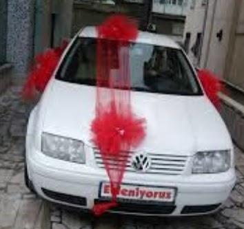 çiçeksiz gelin arabası süslemesi