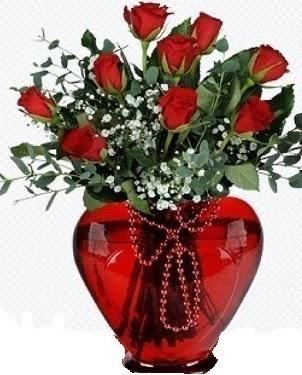 Kalp cam mika içinde 9 adet kırmızı gül  Ulus Ankara hediye sevgilime hediye çiçek