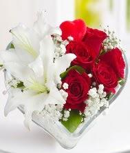 1 kazablanka 5 kırmızı gül kalpte  Ulus Ankara çiçek servisi , çiçekçi adresleri