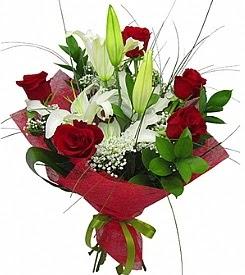 1 dal kazablanka 5 kırmızı gül buketi  Ulus Ankara çiçek satışı