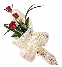 3 adet kırmızı gül buketi  Ulus Ankara çiçek , çiçekçi , çiçekçilik