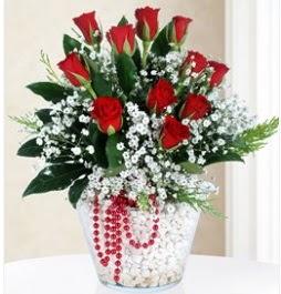 9 adet kırmızı gül cam içerisinde  Ulus Ankara çiçek gönderme