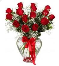 11 adet kırmızı gül cam kalpte  Ulus Ankara kaliteli taze ve ucuz çiçekler