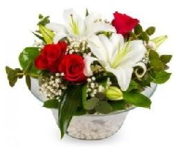 Cam içerisinde 2 kandil kazablanka 5 gül  Ulus Ankara çiçek servisi , çiçekçi adresleri